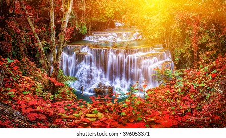 Huay Mae Kamin waterfall in Thailand waterfall is beautiful, do not lose any.