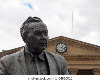 huddersfield, yest yorkshire, United Kingdom - 20 May 2019: Statue of former Prime Minister & founder of the Open University, Harold Wilson. Labour Politician, outside Huddersfield Railway Station