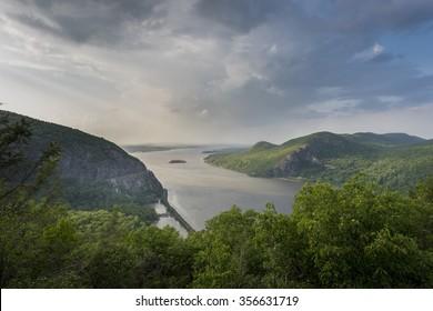 Hudson River & Hudson Highlands