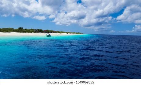 Hues of blues in paradise, Klein Bonaire - Bonaire