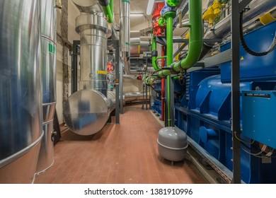 Huge Gas Turbine Engine Images, Stock Photos & Vectors