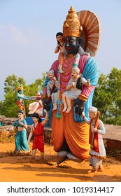 Huge statue of Lord Vitthal with other sants