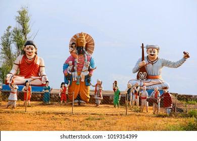 Huge statue of Lord Vitthal with Sant Dnyaneshwar, Tukaram, Mukatabai, Eknath and warkari