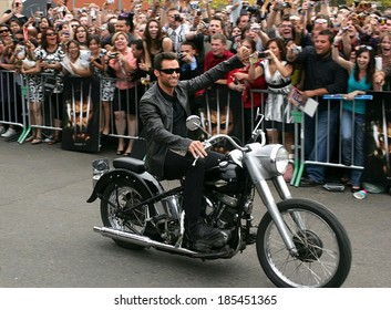 Hugh Jackman at X-MEN ORIGINS WOLVERINE Premiere, Harkin's Theaters Tempe Marketplace, Tempe, AZ April 27, 2009