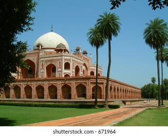 humayun tomb gardens, delhi, india