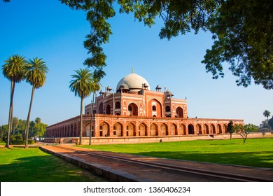Humayun's Tomb, Delhi, India, the tomb of the Mughal Emperor Humayun built in 1565, UNESCO World Heritage Site