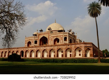 Humayun's Tomb is a good example of Mughal architecture found in Delhi, India