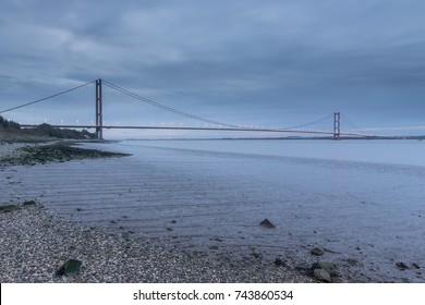 Humber Bridge, Dawn on the Humber Estuary in the UK City of Culture 2017