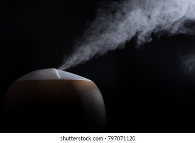Humidifier with black background