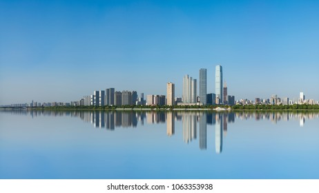 Hunan Changsha Orange Island Xiangjiang scenery daytime city skyline panorama mirror reflection scenery