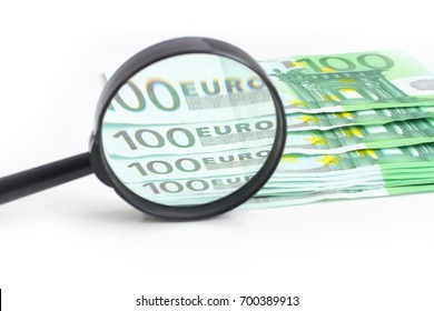 Hundred euros under the magnifying glass