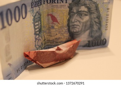 Hungarian forint keep standing a money boat