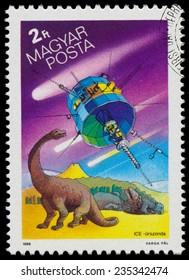 HUNGARY - CIRCA 1986: Set of stamps printed in Hungary, shows Appearance of Halley's Comet, circa 1986