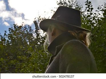 hunter lady in hat