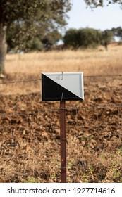 Señal de campo de caza en un pueblo andaluz en el sur de España