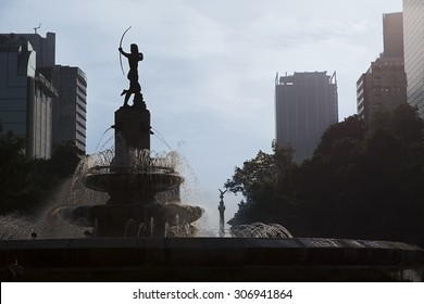 Huntress Diana Fountain (Fuente de la Diana Cazadora) in Mexico DF, Mexico