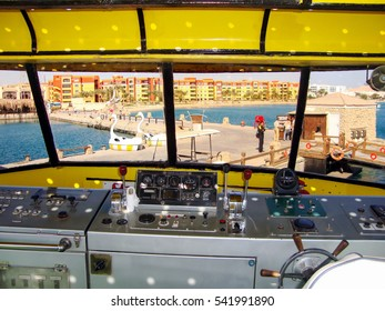 HURGHADA, EGYPT - DECEMBER 23, 2009: Tour in the Sindbad submarine
