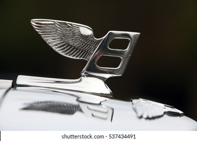 HURWORTH, COUNTY DURHAM/UK - JUNE 10th 2011 - The Bentley logo on the front of a vintage Bentley car.