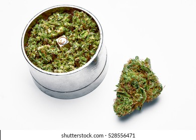 Hybrid Marijuana bud with grinder