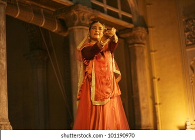 HYDERABAD,AP,INDIA-APRIL 23:Canadian Kathak dancer and choreographer performs during heritage week at chowmohalla palace on April 23,2012 in hyderabad,Ap,India.Kathak a classical dance of North India.