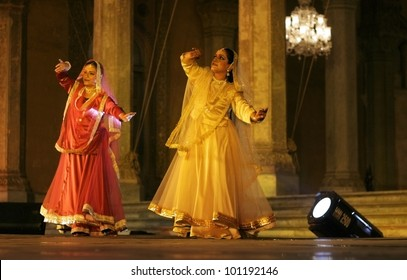 HYDERABAD,AP,INDIA-APRIL 23:Kathak Dancers Mangala bhatt and Deepti Gupta perform during heritage week at chowmohalla palace on April 23,2012 in Hyderabad,Ap,India.classical dance of North India.