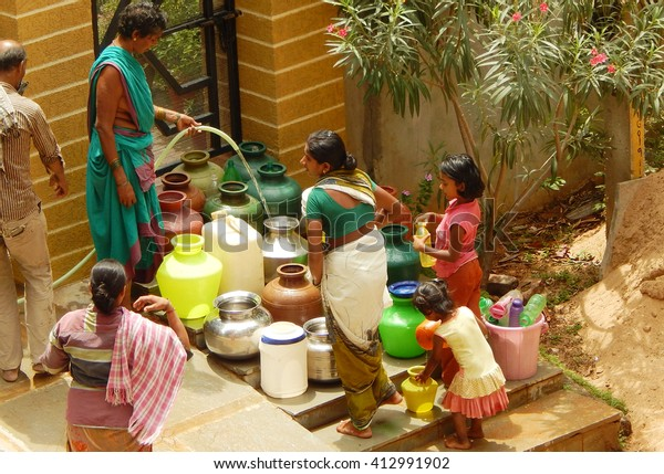 Hyderabadindiajuly 5poor Indians Collect Water Tap Stock Photo (Edit