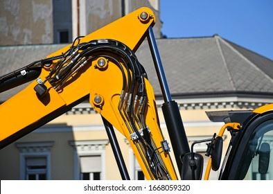 Hydraulic part of the excavator machinery