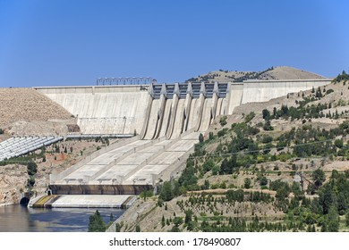 a hydroelectric dam located in east of turkey