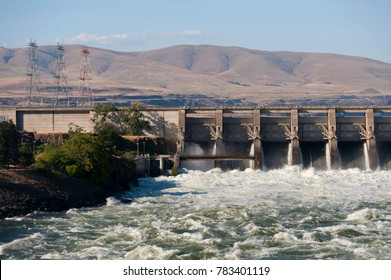Hydroelectric dam on the Columbia River