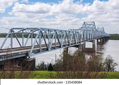 The I-20 bridge over the Mississippi River, at Vicksburg, MS