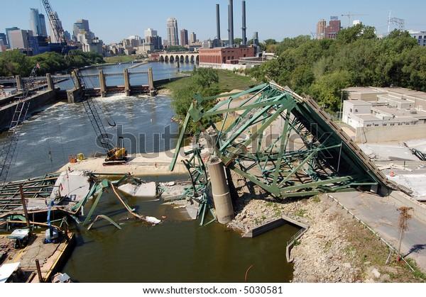 I35w Bridge Collapse Minneapolis Stock Photo (Edit Now) 5030581