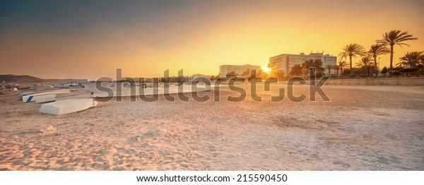 Ibiza Insel Sonnenuntergang Aussicht auf San Antonio