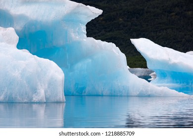 Ice Bergs floating
