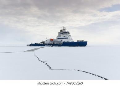 Ice Breaker, sea lapland, 12/04/2017