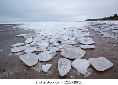 ice floes on the seashore