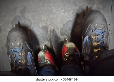 Ice skating in family with shoes of different sizes, symbolizing togetherness.