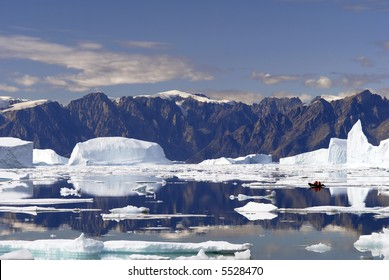 Iceberg Bay - Northeast Greenland National Park