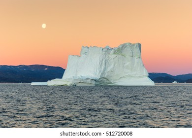 Iceberg in the Disco Bay, Greenland. Their source is by the Jakobshavn glacier. This is a consequence of the phenomenon of global warming and catastrophic thawing of ice