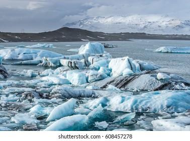 Iceberg in Jokulsarlon glacier lagoon at Iceland. Jökulsárlón