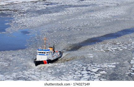 Icebreaker Ship Images, Stock Photos & Vectors | Shutterstock