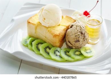 ice-cream honey toast and kiwi