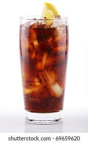 iced soda with lemon slice