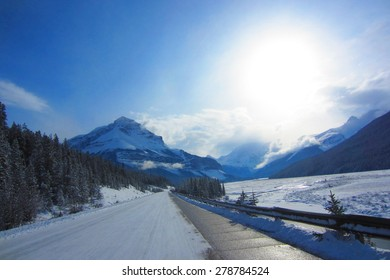 Icefields Parkway in Banff National Park, winter landscape