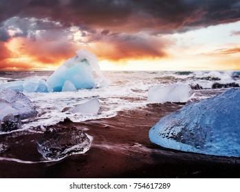 Iceland, Jokulsarlon lagoon, Beautiful cold landscape picture of icelandic glacier lagoon bay.