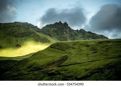 Iceland Landscape / beautiful green mountains