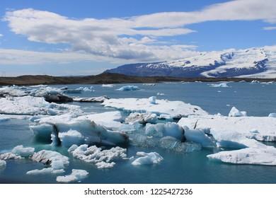 The Icelandic glacial lagoon-Jökulsárlón-is a large glacial lake in Iceland.