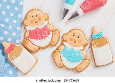 Icing cookies for baby shower party