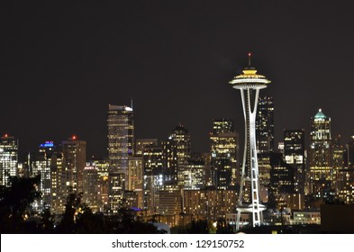 iconic Seattle skyline at night