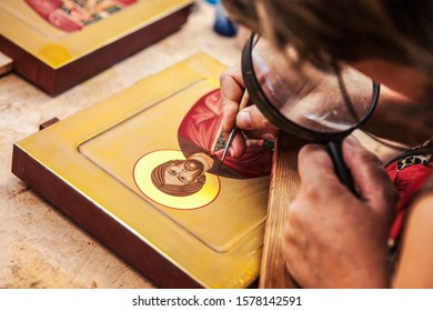 Iconpainter. Semenov, Volga Region / Russia, 2017: production of wooden painting objects and creative work at the Khokhloma Painting Plant in the city of Semenov