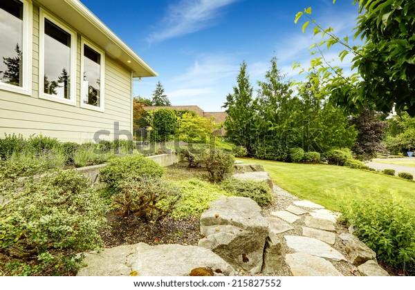 Ideas Front Yard Landscape Design Lawn Stock Photo Edit Now